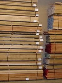 Houtvoorraad bij de houthandel