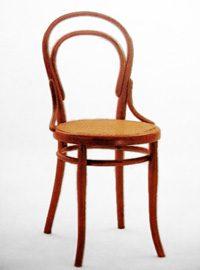 stoel gemaakt van gestoomd hout