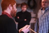 tijdens de basis workshop houtbewerking