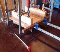 houtverlijmen tijdens de cursus kruk maken