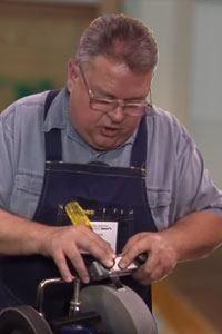 beitels slijpen tijdens de workshop beitels slijpen